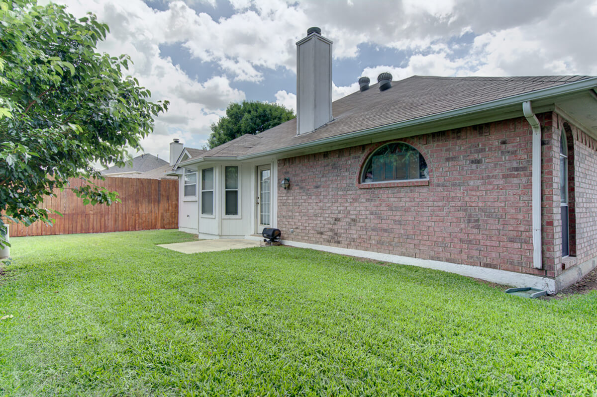 4136 Maryanne Place Haltom City Texas 76137