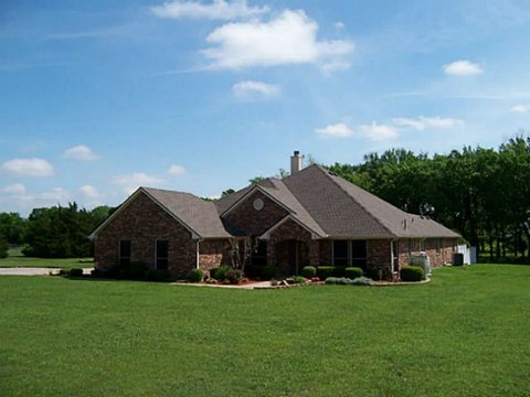 Home at 606 County Road 4444 Trenton Texas 75490