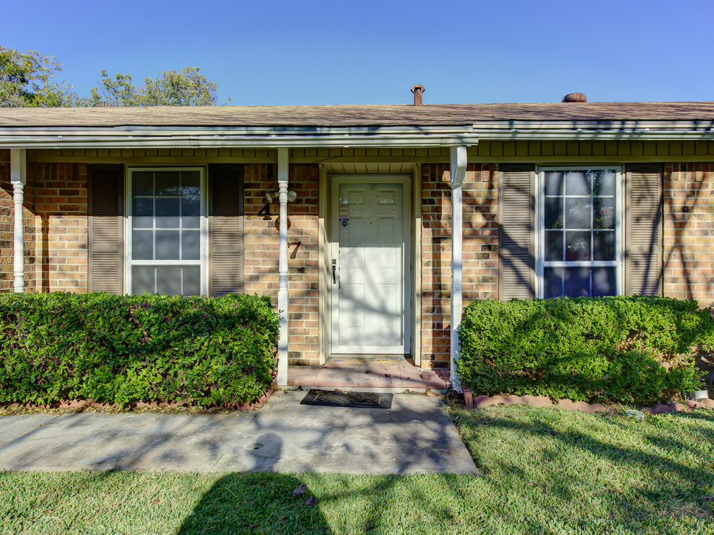 Home at 407 Live Oak Drive Mansfield Texas 76063