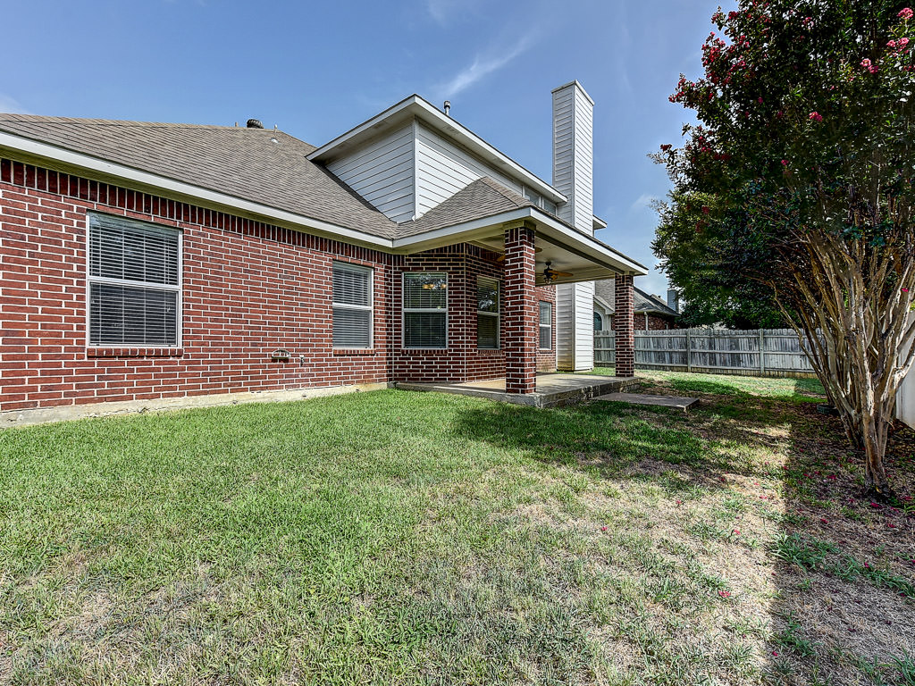 6411 Creekbend Court Arlington Texas 76001